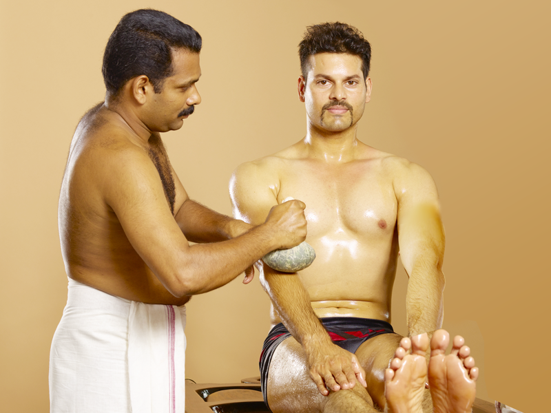Elakizhi Ayurvedic Therapy / Treatment