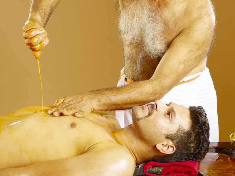 Pizhichil Ayurvedic Therapy / Treatment